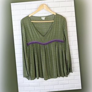 live happy by Natural life Green  Peasant Top Bc